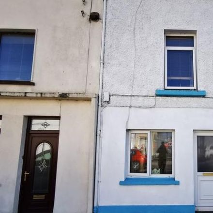 Rent this 2 bed house on Campbells Funeral Home in Chapel Street, Swineford