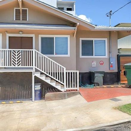 Rent this 2 bed duplex on 3106 Paliuli Street in Honolulu, HI 96816