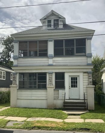Rent this 6 bed duplex on 425 5th Avenue in Troy, NY 12182