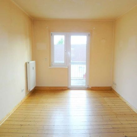 Rent this 3 bed apartment on Markgrafenweg 41 in 06618 Naumburg (Saale), Germany