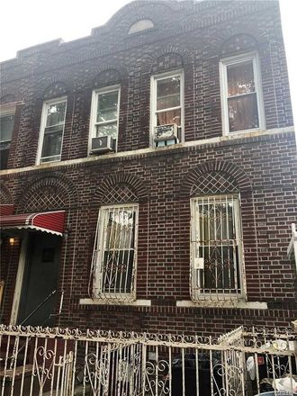 Rent this 7 bed apartment on E 96th St in Brooklyn, NY