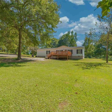 Rent this 3 bed house on Rose Ln in Royston, GA