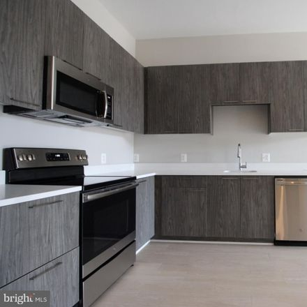 Rent this 1 bed apartment on 989 South Buchanan Street in Arlington, VA 22204