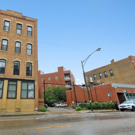 Rent this 2 bed loft on 1014 North Milwaukee Avenue in Chicago, IL 60642