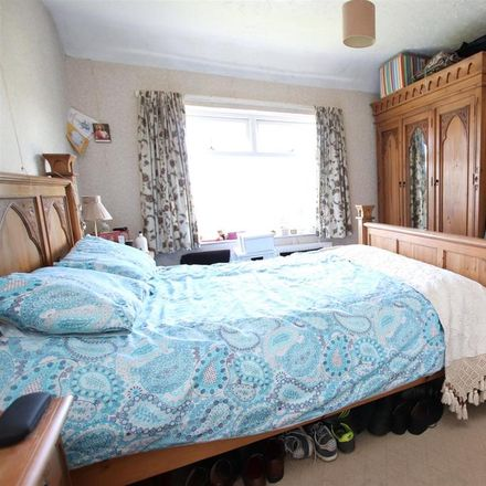 Rent this 3 bed house on Hawthorn Drive in Bradford BD10 9BN, United Kingdom