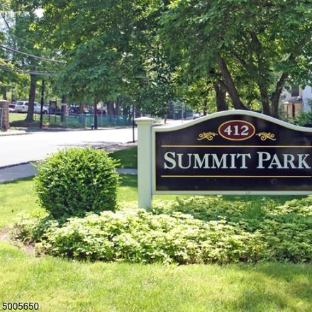 Rent this 2 bed townhouse on Morris Ave in Summit, NJ