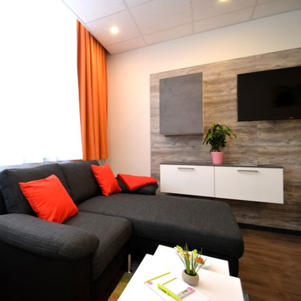 Rent this 1 bed apartment on Kaiserstraße 73 in 63065 Offenbach am Main, Germany