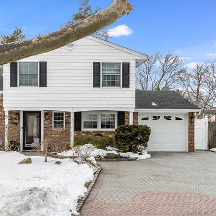 Rent this 3 bed house on 5 Culver Ct in Melville, NY
