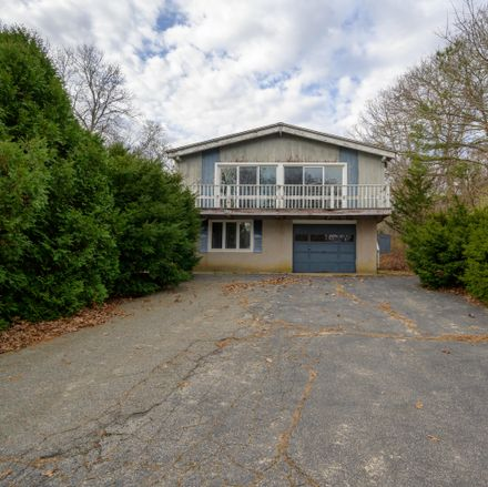 Rent this 3 bed house on 10 Menotomy Road in Plymouth, MA 02562