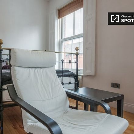Rent this 3 bed apartment on Caledon Road in North Dock, Dublin