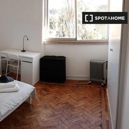 Rent this 6 bed apartment on Rua Epifânio Dias in Lisbon, Portugal