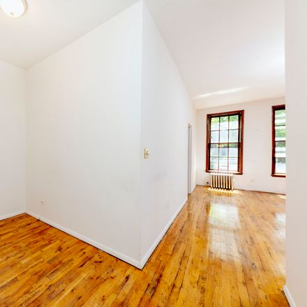 Rent this 1 bed apartment on 522 East 82nd Street in New York, NY 10028