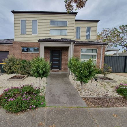 Rent this 3 bed house on 6 Tenerrife Crescent