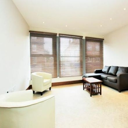 Rent this 3 bed apartment on Lubavitch Chabad House of Hendon in Belle Vue Road, London NW4 2EL