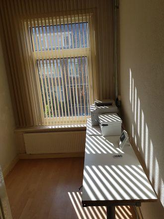 Rent this 1 bed room on Nieuwenhoornstraat 70B in 3082 VK Rotterdam, Países Bajos