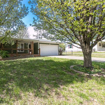 Rent this 3 bed house on 1125 South Glenn Avenue in Springfield, MO 65802