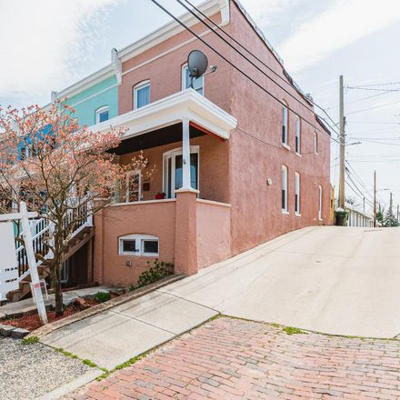 Rent this 3 bed townhouse on 923 West 38th Street in Baltimore, MD 21211