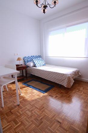 Rent this 4 bed room on Av del Manzanares in 46, 28019 Madrid