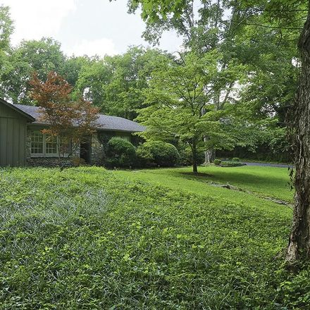 Rent this 3 bed house on 4127 Sneed Road in Nashville, TN 37215