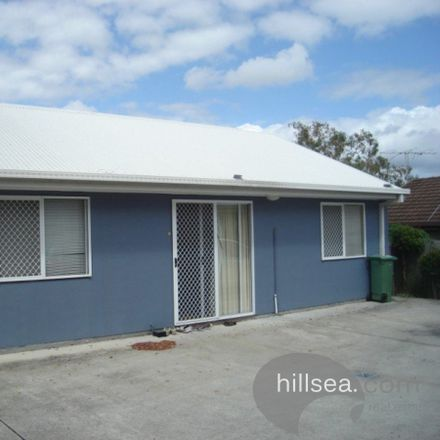Rent this 3 bed house on 3/94 Smith Street