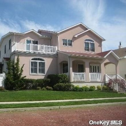 Rent this 4 bed house on 125 West Penn Street in Long Beach, NY 11561