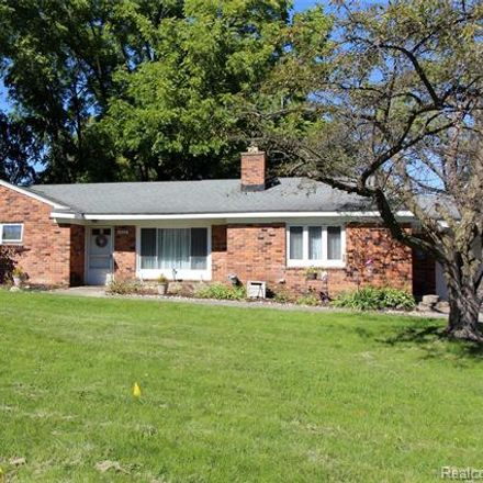 Rent this 2 bed house on Lakeshire Dr in West Bloomfield, MI