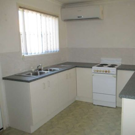 Rent this 2 bed townhouse on 32/2-6 SYRIA ST