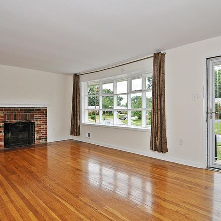 Rent this 3 bed house on 6903 Ruskin Street in Springfield, VA 22150