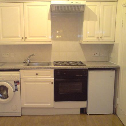 Rent this 2 bed apartment on 101 Hammersmith Road in London W14 0QR, United Kingdom