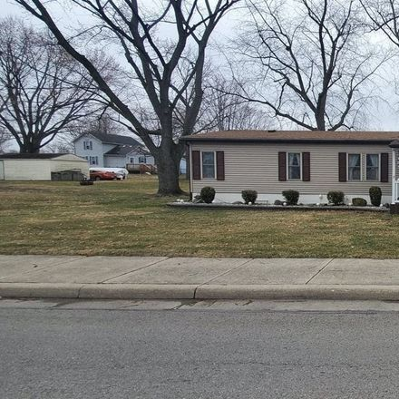 Rent this 3 bed house on 609 Fair Street in Kendallville, IN 46755
