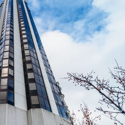 Rent this 3 bed condo on 990 North Lake Shore Drive in Chicago, IL 60611