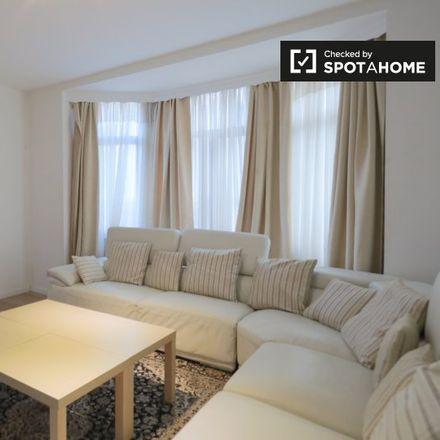 Rent this 2 bed apartment on Rue du Méridien - Middaglijnstraat 68 in 1210 Saint-Josse-ten-Noode - Sint-Joost-ten-Node, Belgium