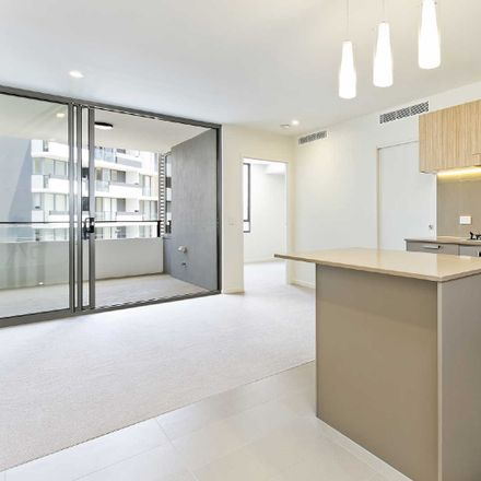 Rent this 1 bed apartment on 811/16 Aspinall Street