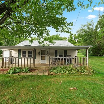 Rent this 3 bed house on Richville Dr SW in Navarre, OH