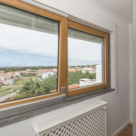 Rent this 20 bed room on R. de Cima 53 in 2750 Cascais, Portugal
