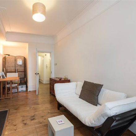 Rent this 1 bed apartment on Dulverton Mansions in Northington Street, London WC1N 2JF