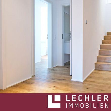 Rent this 3 bed apartment on Stitzenburgstraße 18 in 70182 Stuttgart, Germany