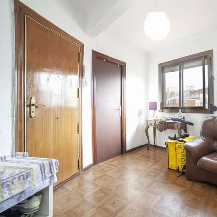 Rent this 1 bed room on Carrer Hierbabuena