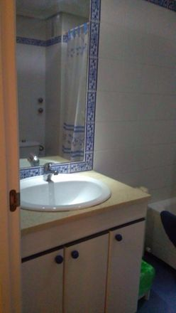 Rent this 10 bed room on Calle Roncesvalles in 28691 Villanueva de la Cañada, Spain
