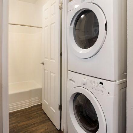 Rent this 2 bed apartment on Tennis in Walnut Avenue, Walnut Creek
