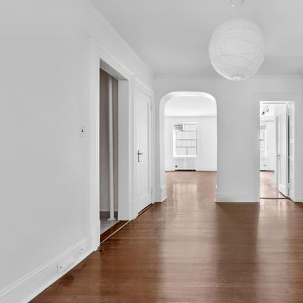 Rent this 2 bed condo on E 79 St in New York, NY