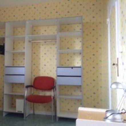 Rent this 3 bed room on 13 Cours du Général de Gaulle in 33170 Gradignan, France