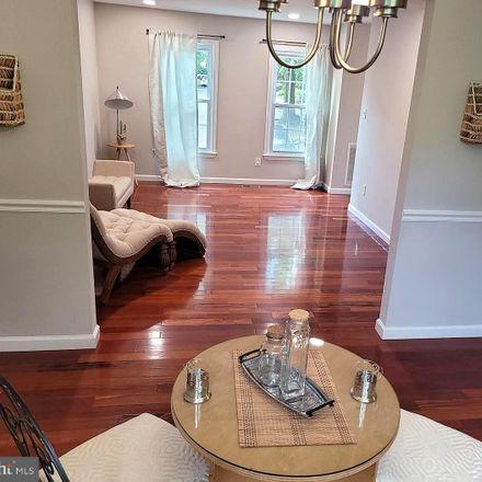 Rent this 3 bed townhouse on Knollside Ln in Vienna, VA