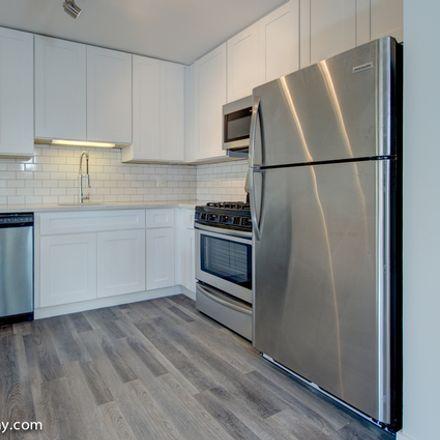 Rent this 2 bed townhouse on 800 Graceland Avenue in Des Plaines, IL 60016
