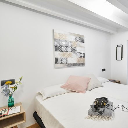 Rent this 2 bed apartment on Passatge de Planell in 14, 08029 Barcelona