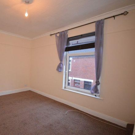 Rent this 2 bed house on Glebe Street in Wakefield WF10 4AW, United Kingdom