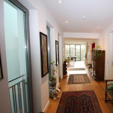 Rent this 3 bed apartment on Pempelfort in Dusseldorf, North Rhine-Westphalia