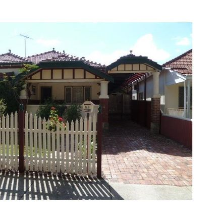 Rent this 4 bed house on 88 Dunedin Street