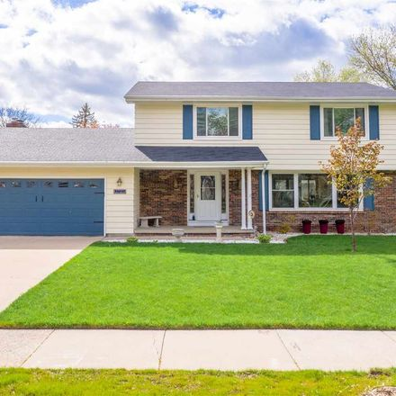 Rent this 4 bed house on 1731 North Edgewood Avenue in Appleton, WI 54914