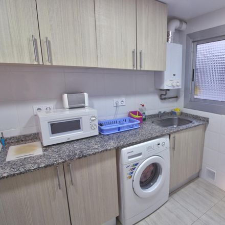 Rent this 4 bed room on Bankia in Carrer del Doctor Vicente Pallarés, 46021 Valencia